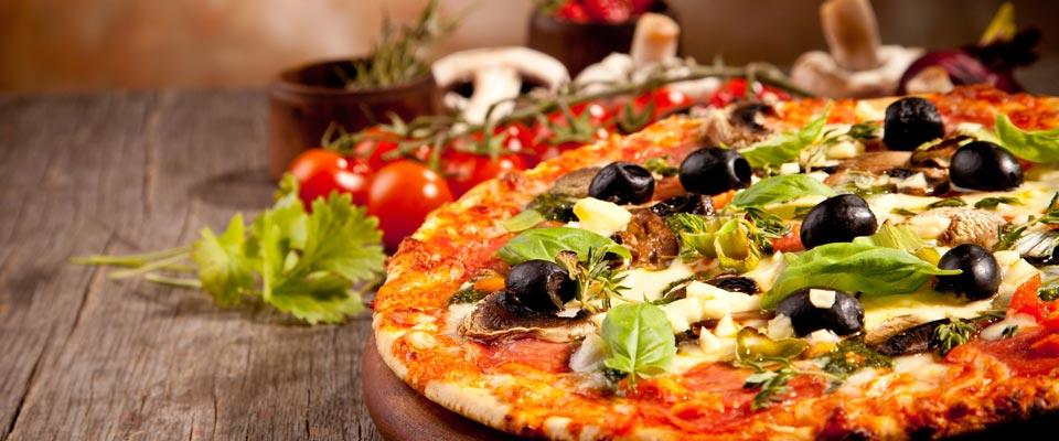 exemple de pizza faite a la terrasse pizzeria a fouesnant